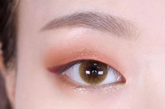 拯救单眼皮少女的超简单眼妆教程来袭!图片