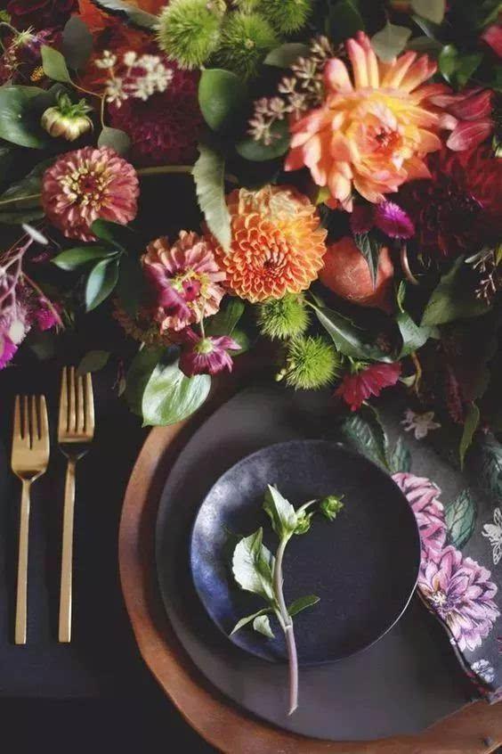 这些都是秋天的自然产物 还有 秋色绣球 蜡梅 针垫 木百合 仙人掌