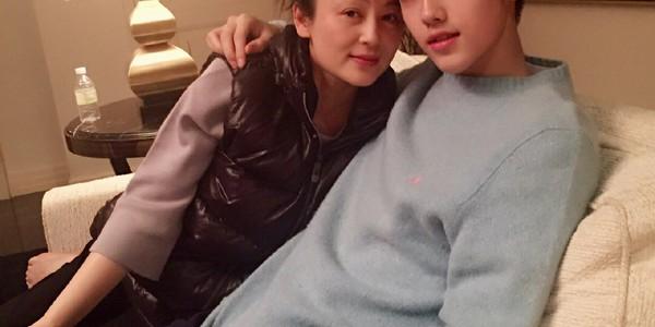 陈飞宇夸赞妈妈陈红有世界上最好看的侧脸,在家都是陈凯歌做饭