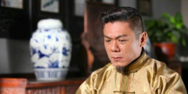 """""""御用恶人""""TVB跑了16年龙套,离巢后却凭一剧封帝!"""