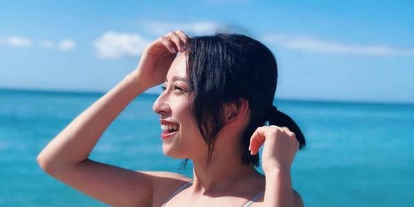 TVB小花晒露背泳装旧照表示要重新靓回去 曾被曝耍大牌获前辈力撑