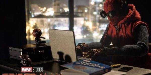 """《蜘蛛侠3》""""居家办公""""恶搞版海报:呼吁大家居家保护自己"""