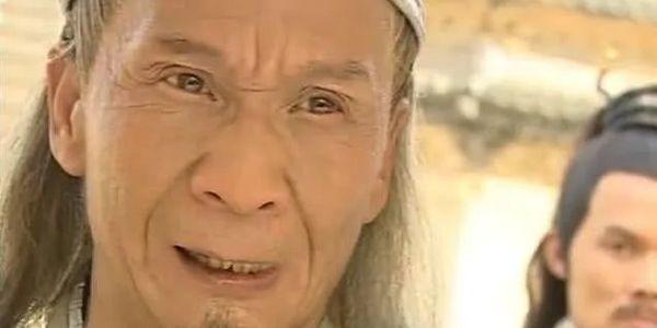 香港影视圈遇寒冬,青翼蝠王扮演者在地铁口拉小提琴讨生活