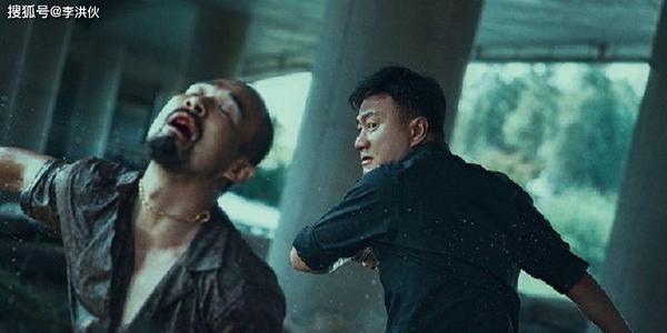 《猎狐》扔出王炸组合,剧情紧张扣人心弦,王凯胡军师徒CP很带感