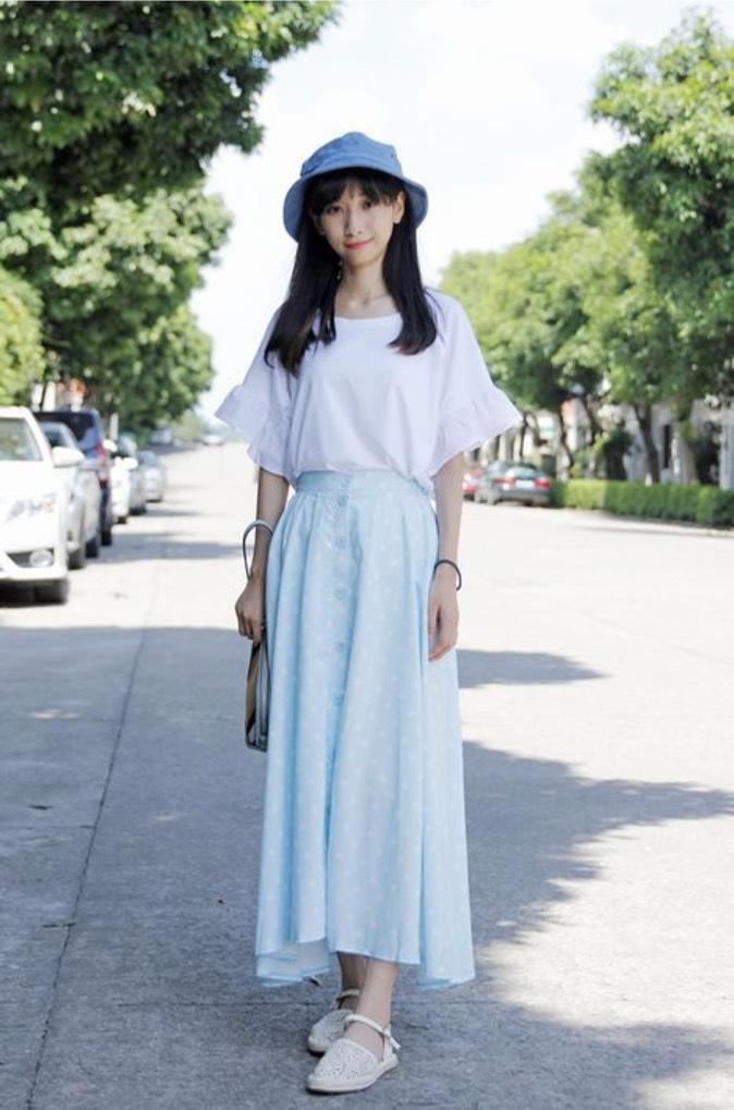 蓝色长裙搭配 今年夏天一起来穿吧
