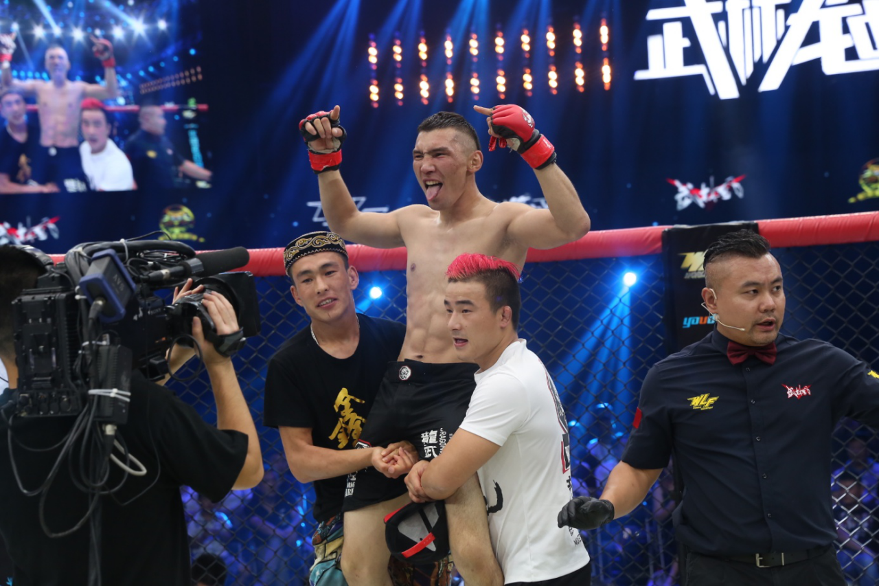 新疆柔道冠军对决日本柔术高手,龙武士迪达尔扬鞭而来!