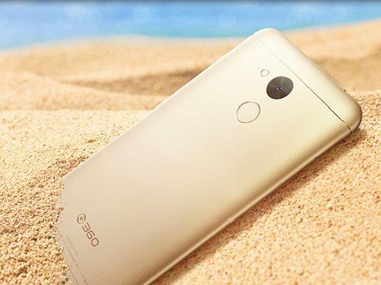 4GB内存全高清屏卖899元 360 vizza手机发布的照片 - 1
