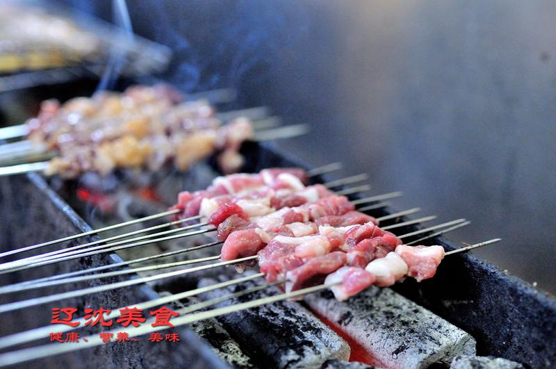 外国鸡品种_东北特色锦州烧烤回春斌师傅,讲述三十年烤串秘籍