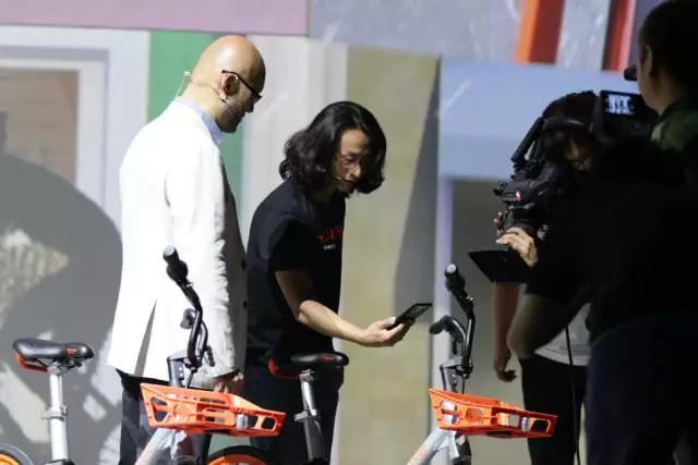 刚刚,苹果和三星进入了摩拜的物联网朋友圈!