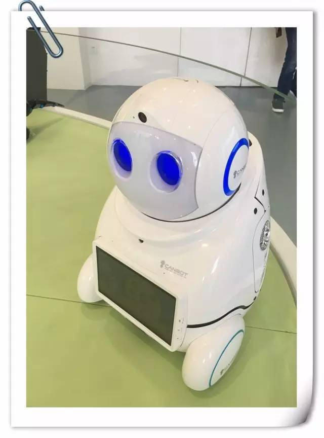 【活动发布】模拟飞行、无人机、机器人展这里全有 小记者快来体验软件谷黑科技