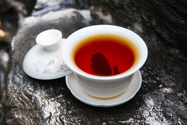 它被称为降糖神茶,每天坚持吃一点,血糖降降降!