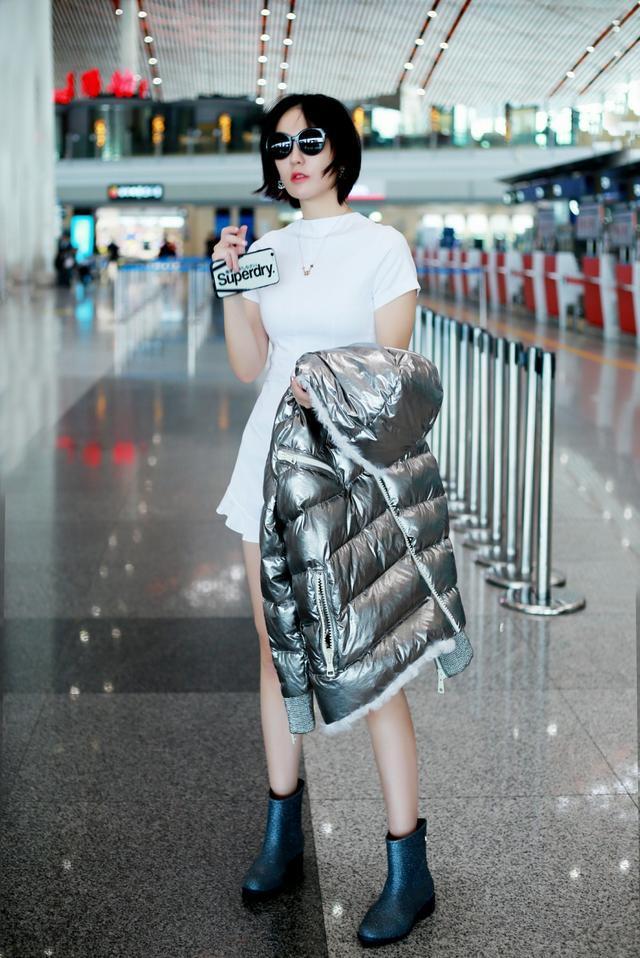 街拍女王吕佳容!怎么拍都是娱乐圈的一股清流