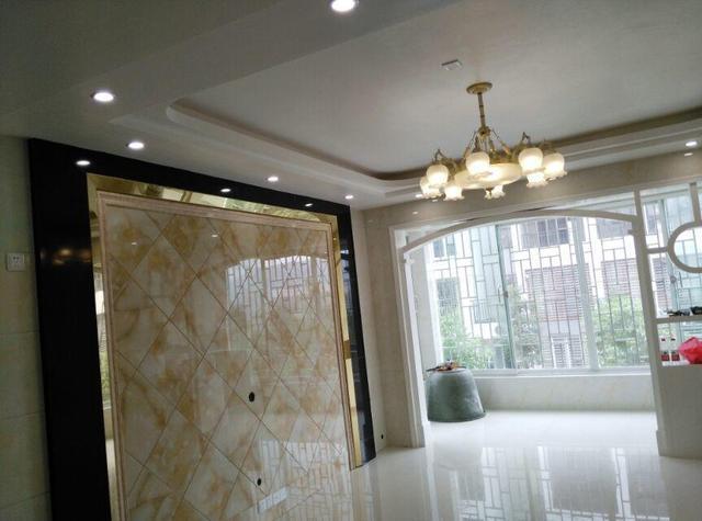 全屋贴瓷砖的成本很高?120平三居室花了不到10万块,这很贵?