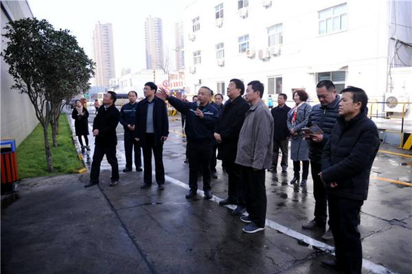 """王伟率队对周口市中心城区棚户区改造和""""两违""""治理、大气污染防治进行视察"""
