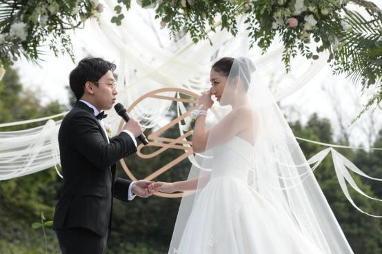 """邹凯大婚成年尾最浪漫婚礼,大咖助阵+""""最贵""""DR钻戒闪耀"""