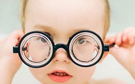 【艾格分享】比小广告还坑,这些近视手术的谣言你信过几个?