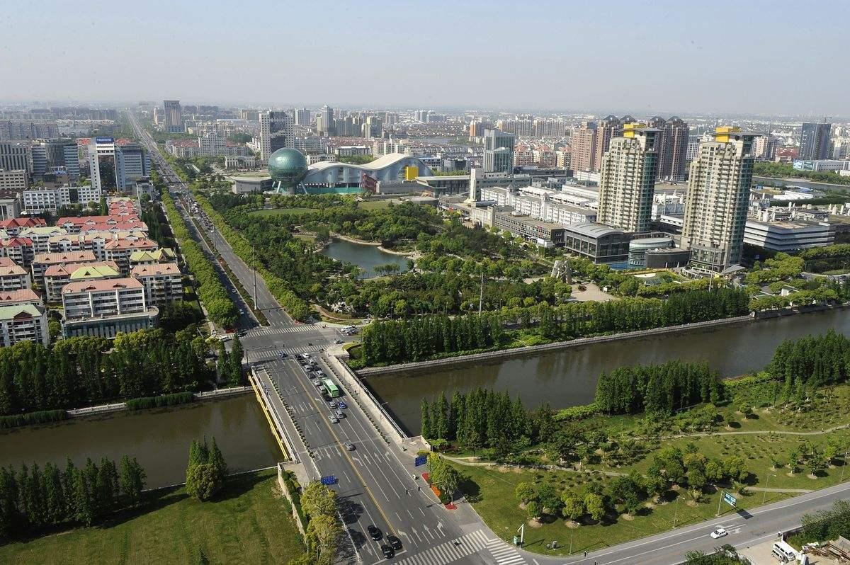 昆山一年的经济总量超过几个省_昆山几个镇分布图
