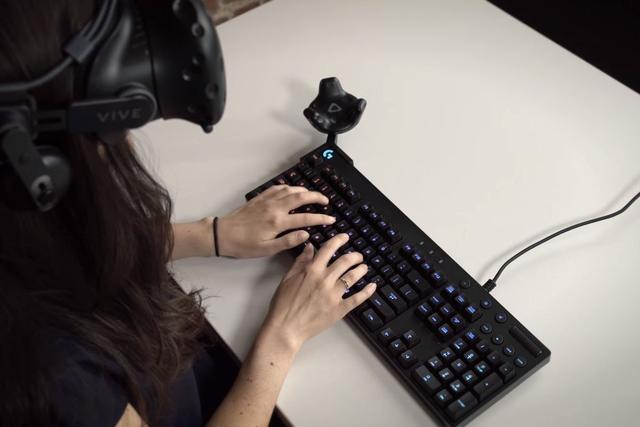 在VR 中用键盘?Logitech 与HTC VIVE 合作软体开发套件|GCC推荐