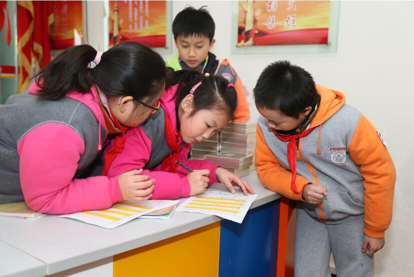 """小学生办大活动 上海""""小学"""