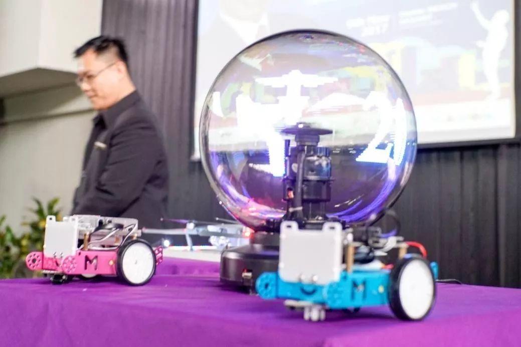 """齐齐上演""""脑力竞技""""!Makeblock 亮相首届国际计算机和无人机应用会议( IConDA)"""