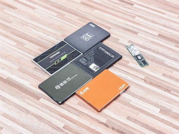 同样是500GB固态硬盘 为啥差价这么大?的照片 - 1