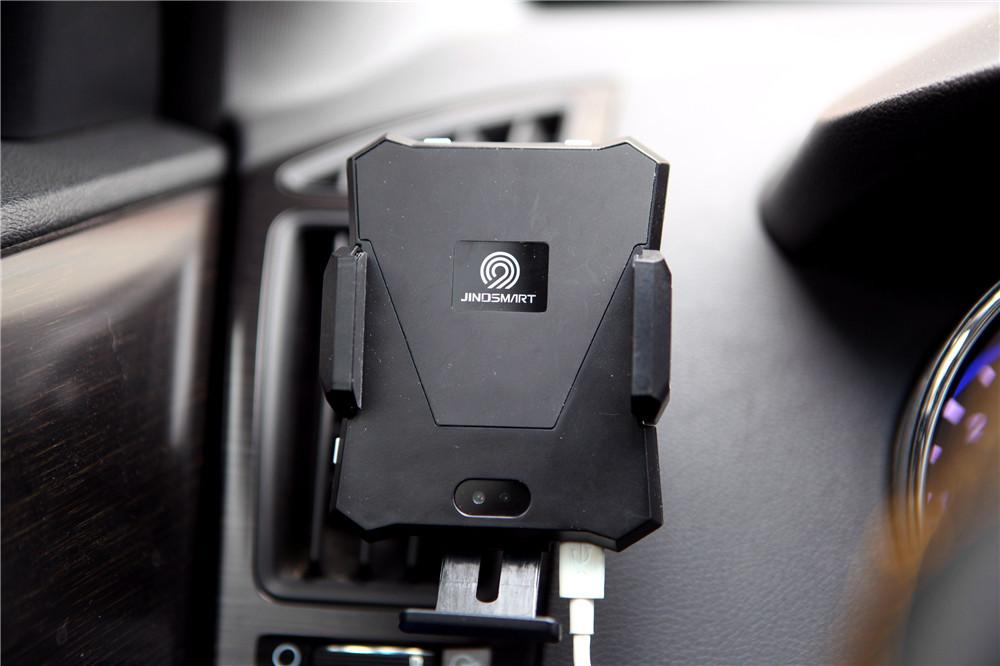 车载物联网神器,小魔夹让开车更轻松