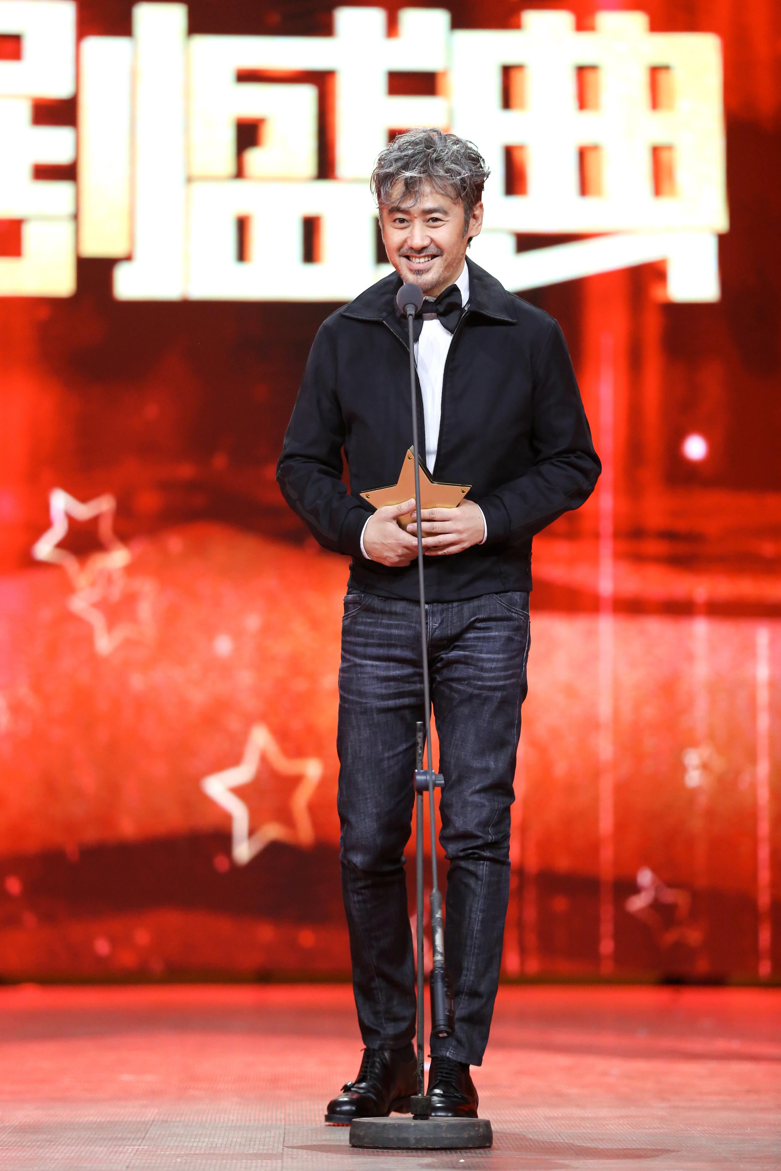吴秀波获国剧年度杰出剧星 携《军事联盟》致敬匠心