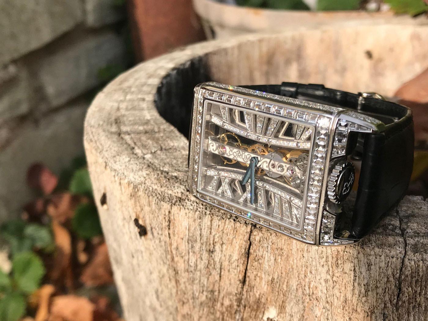 大师工艺 奢华再现  CORUM昆仑表推出金桥长方形钻石腕表