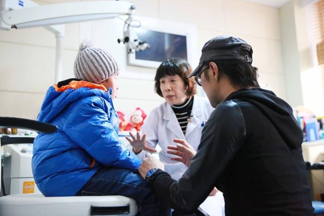"""湖南卫视《让世界听见》汪峰帮听障儿童传递""""相信""""的力量"""