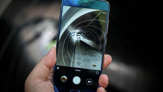 """排名闹乌龙:小米手机""""被""""登上英媒十大最佳手机的照片 - 1"""