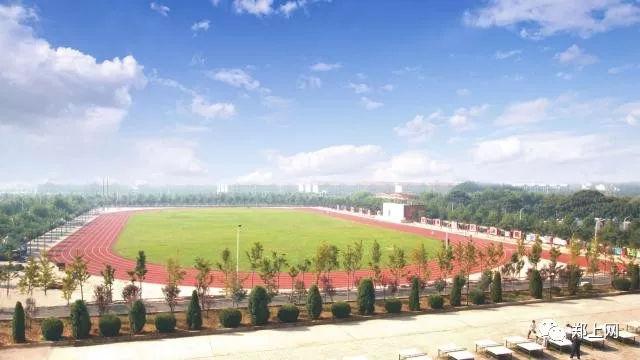 郑州职业技术学院13