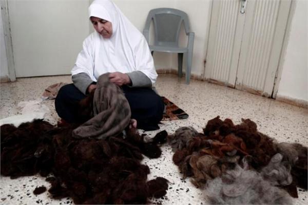 老妪用头发填枕芯 从15岁开始坚持近70年
