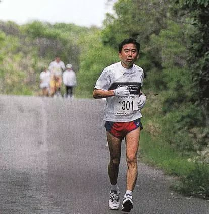 为什么村上春树会爱上跑步?