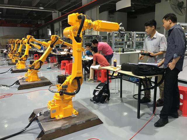 【工业机器人培训】学工业机器人的前景咋样?