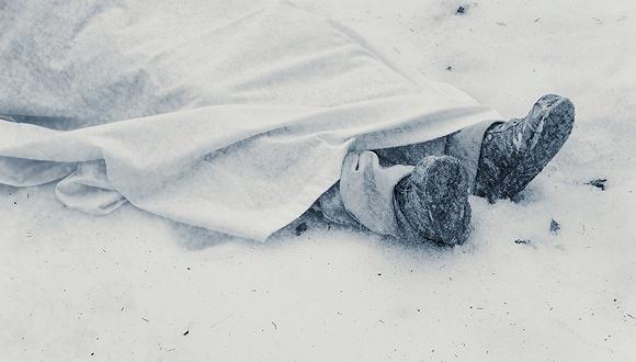 """英国讨论引入""""冰葬"""" 速冻后压成粉末比火葬更环保?"""