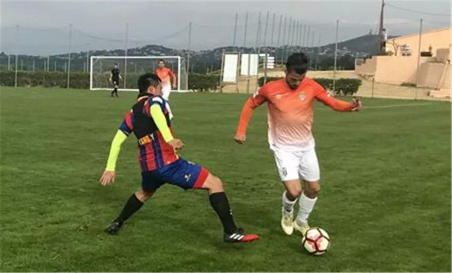 黄海迎来西班牙冬训首战 最终0-3西甲赫罗纳B队