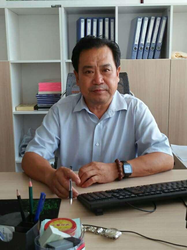 王殿柱—中国书法家协会会员、中国书法协会会员,国家一级书法师