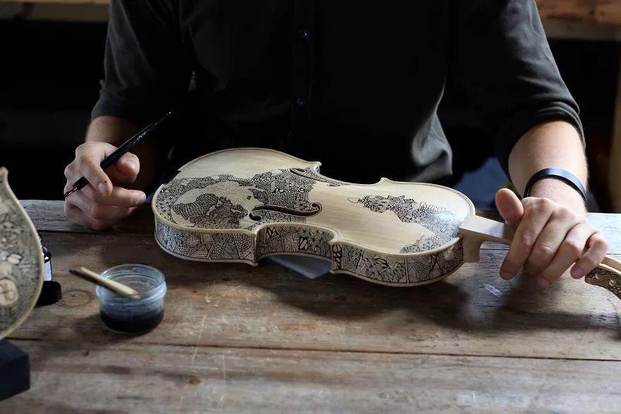 英国艺术家_Leonardo Frigo_画笔下的提琴插图(2)