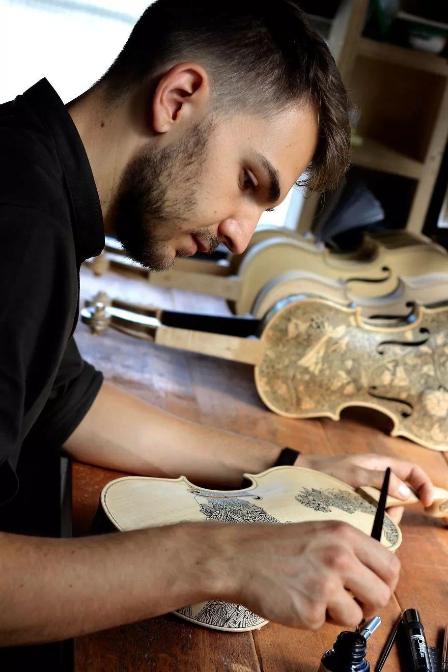 英国艺术家_Leonardo Frigo_画笔下的提琴插图(3)