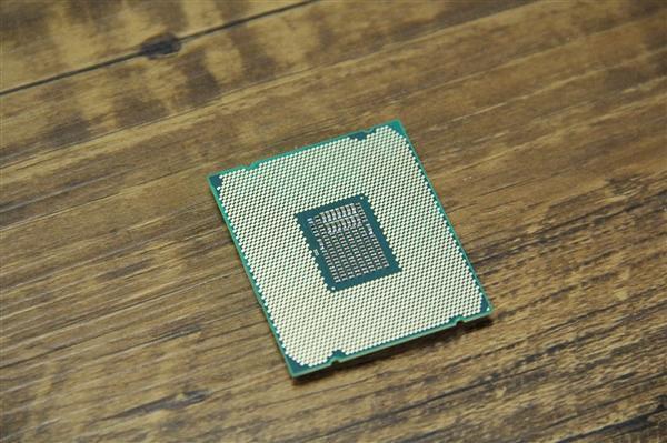 Intel:10nm CPU今年底大量推出、14nm还有一代的照片 - 2