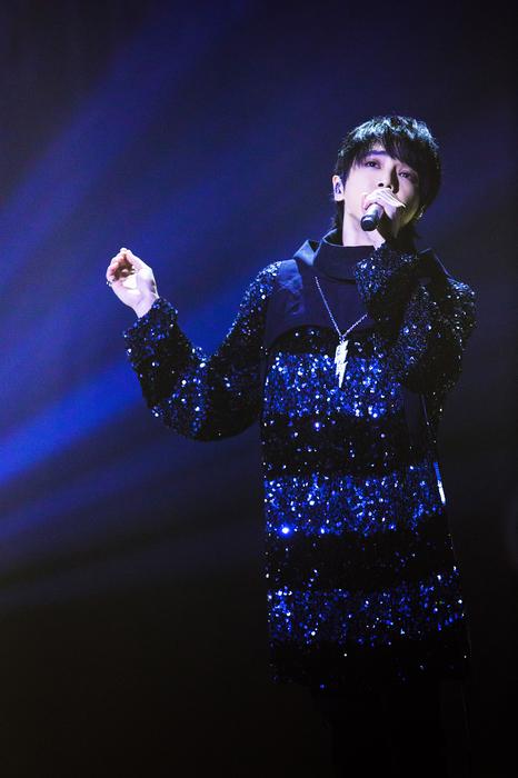 华晨宇《齐天》首秀《歌手》 :我的音乐比五年前更厉害