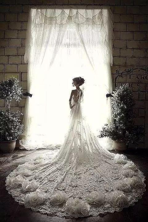 婚纱的个性_婚纱情侣头像