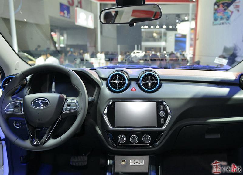 二月新车一览:宝马5系门槛降低,英菲尼迪Q50L改款 - 周磊 - 周磊