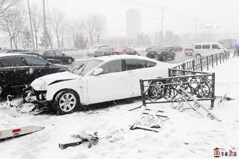 冰雪造成53车相撞,这份雨雪天气行车指南一定要看 - 周磊 - 周磊