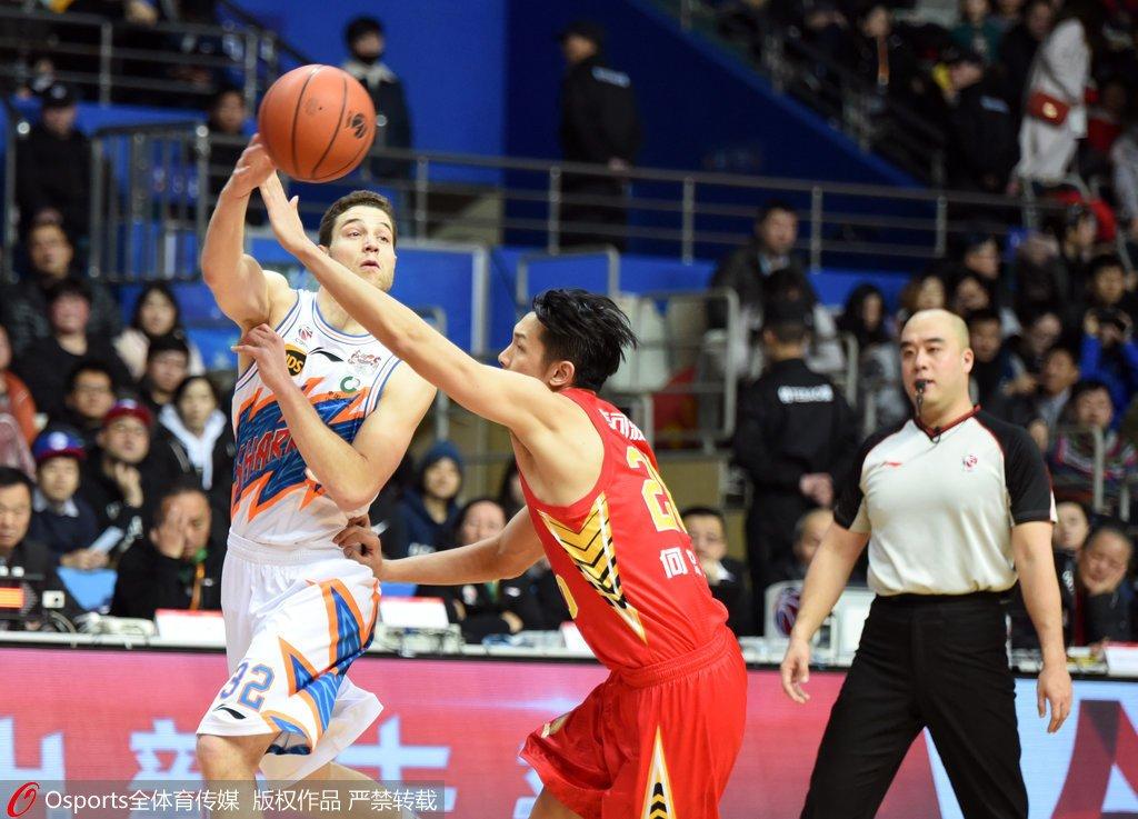 上海搏命获最关键一胜 追平浙江进季后赛仍有戏-沙巴体育官网
