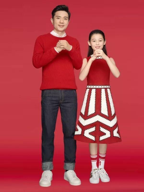 李彦宏与女儿拜年写真曝光 除夕将推贺岁片的照片 - 3
