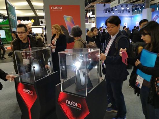 努比亚游戏概念手机亮相MWC 2018:酷炫跑马灯+风冷散热的照片 - 2