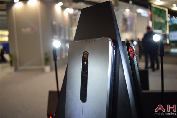 努比亚游戏手机真机实拍:真有四颗风扇的照片 - 10