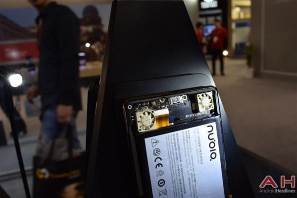 努比亚游戏手机真机实拍:真有四颗风扇的照片 - 13