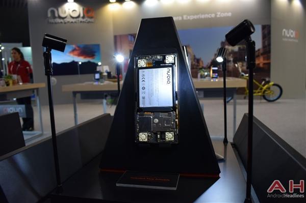 努比亚游戏手机真机实拍:真有四颗风扇的照片 - 12